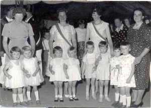 Vier Zwillingpaare zum Schützenfest 1961