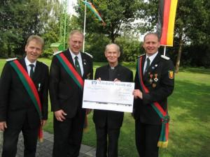 Kassierer Manfred Hamschmidt, Oberst Elmar Schulte, Pastor Schöning, Major Erwin Hoppe